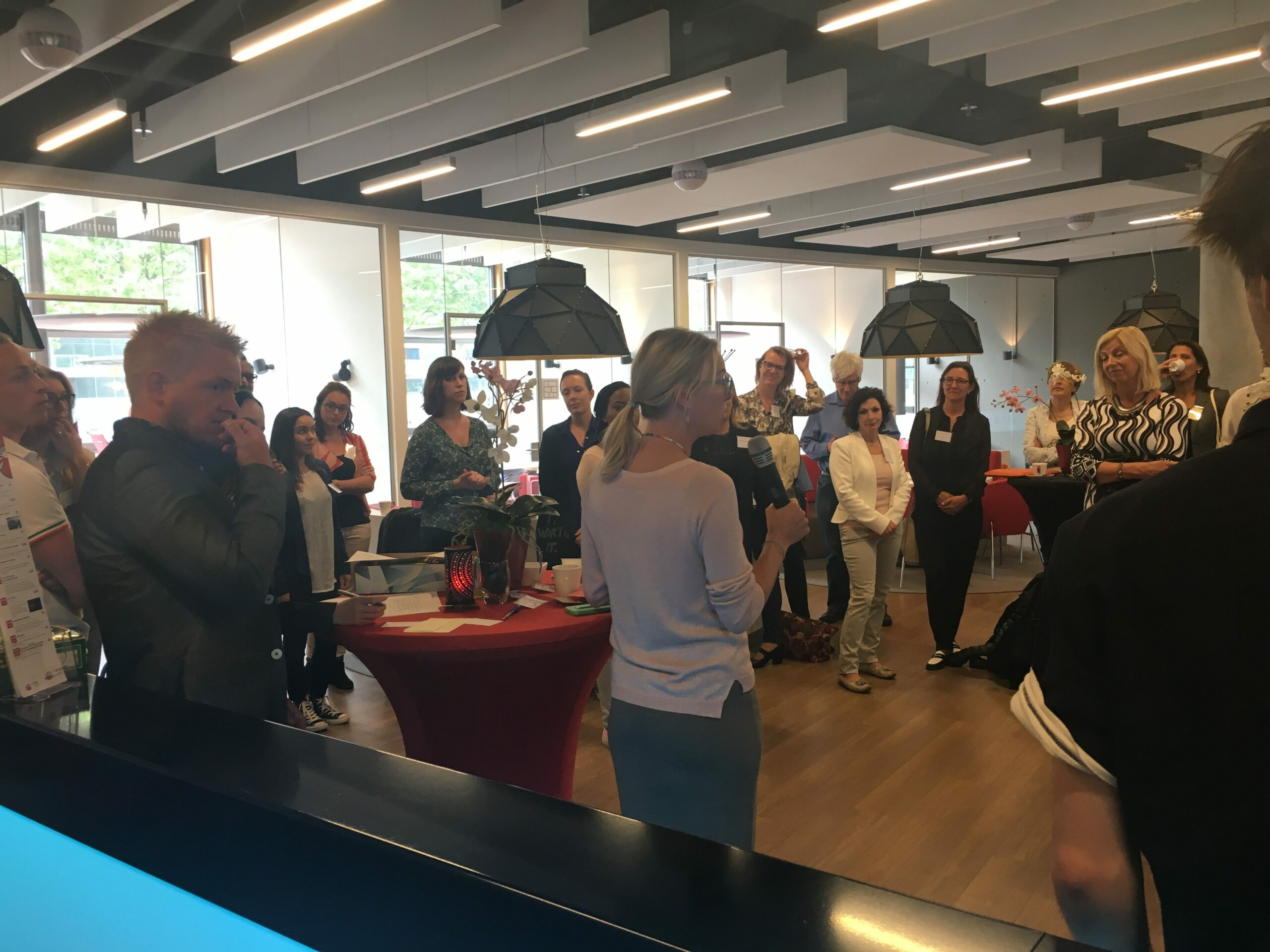 Studenten Haagse Hogeschool hebben inspirerende meet & greet met NIMA SCP's