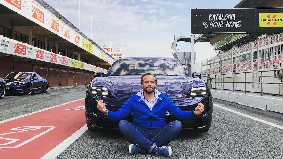 (NMW) Ruurd Neurink: 'Het is onze uitdaging om 'gewoon Porsche' te blijven'